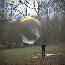 Toubaboo's compilation of  giant soap bubbles. Music by Eric Satie.
