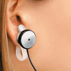 TOPlay, smart & safe. Nothing is inserted into the auditory canal and the audio pressure is reduced 30 fold