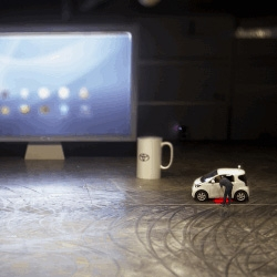 Saatchi & Saatchi New Zealand turn the Toyota iQ into a mouse, so it could move a cursor on a giant screen and operate a computer.