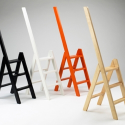 Trappestigen is a small stepladder designed by Benedicte and Poul Erik Find. The handrail-extension makes it unusual and the sleek design makes it an object you don't want to hide.