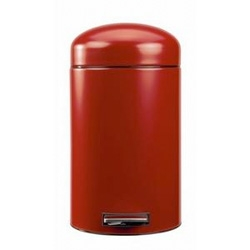 Brabantia - retro pedal waste bins by brabantia ~ adorable, perfectly rounded tops on these metal trash cans!