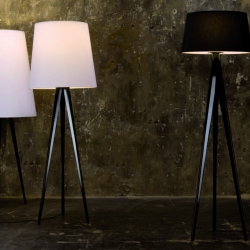 Triana is a new design by Ramon Ubeda and Otto Canalda for  Metalarte.  Triana is a floor lamp offering the advantage of style and flexibility, with a choice of 3 different shades.