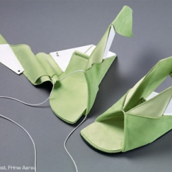 Catherine Meuter's EIN/TRITT shoe concept shows how modern technology can take shoe manufacturing to the next paradigm. Very origami like!
