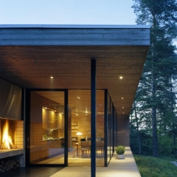 Yet another beautiful villa in the Swedish archipelago. This time by Arkitektstudio Widjedal Racki Bergerhoff . It's like villa is built around the great view.