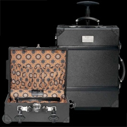 Samsonite's 20's inspired carry-on trunk is divine ~ although a little mixed about the lining ~ love the look!