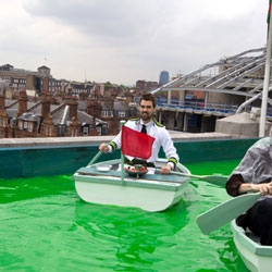 Rowing along Oxford Street sipping drinks and nibbling strawberries. 5 stories above the crowds on the roof of Selfridges you'll find a boating lake, island bar and waterfalls. A surreal experience from Bompas & Parr to launch the sweetener Truvia.