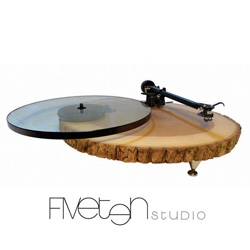 Audiowood ~ Incredible wood turn tables ~ beautiful!