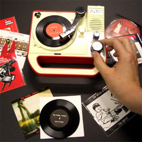 3-inch turntable! This model, the Triple Inchophone, was created by Japanese designers 8-Ball Bandai at the request of Jack White.
