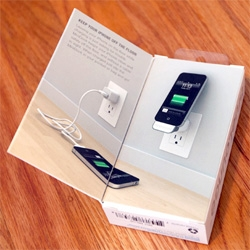 Get your iphone/ipad/ipod off the floor! Awesome new minidock USB plug in from Bluelounge ~ take a peek at the unboxing and details!