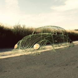 The VW WIRE project meant to fill up a green open space with certain nostalgia that referred directly to the sense of simplicity and opennes. by Karen Oetling and Juan Pablo R. Valadez.