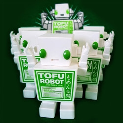 Junko Natsumi's photo shoot of the Tofu Robot are incredible ~ not to mention how awesome an army of these guys look.