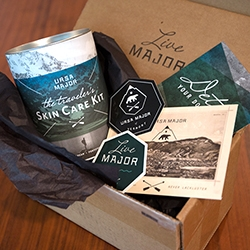 Ursa Major, natural men's skincare line from Burlington, VT, has such fun branding! Here's an unboxing of their new Traveler's Kit. Live Major. Always Awesome. Never Lackluster.