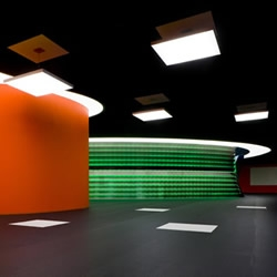 This congress facility in Holland has been designed to offer flexibility for clients who are looking for a non-conformist meeting space and is a cacophony of light, space and interactive projections.