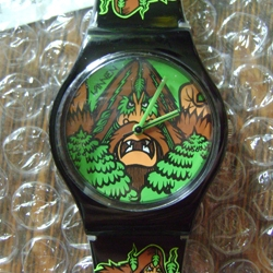 Chris Burns of World Famous Design Junkies reviews one of the new Vannen artist / designer watches from their Series 2. Designed by the infamous comic style graffiti artist Bigfoot!