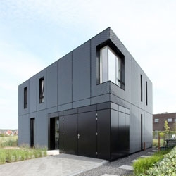 VDVT house in Arnhem, The Netherlands by Atelier Boetzkes.