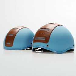 Nice retro looking helmets from Viva, design by Who Made Id.
