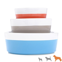 Waggo Dipper Bowls for pets! Fun colors for spring - Denim, Cherry, and Khaki.