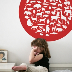 Hommu minni launch the 'learning' collection: Eco-chic wall stickers that help your little ones learn, for example, the animals.