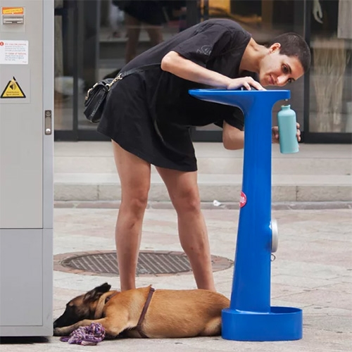 Dimitri Nassisi has designed a lovely concept that turns a fire hydrant into a drinking fountain (for humans and dogs!)