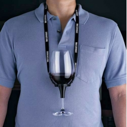Keep your hands free at parties by keeping your wine close at heart! This clever little clip with adjustable strap holds a regular-size stemmed glass to your chest, giving you the freedom to snack and socialize as you sip!