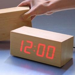 TO:CA 'wood' LED clock designed by kouji iwasaki in 2002.