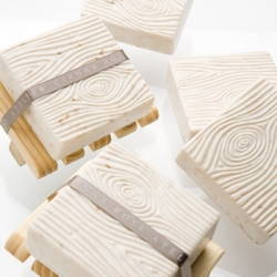 Beautiful! FAUX BOIS / WOOD SOAP COLLECTION ~ Intricately carved soaps, sculpted to look like wood, are scented with a crisp Grapefruit, Clementine & Green Tea fragrance.