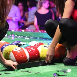 Poolball, a new sport created to promote the Budweiser Cup by Ogilvy Argentina.