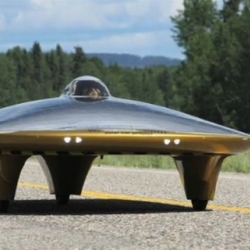 Saucer-shaped solar vehicle gears up for Ice Road Challenge. The Xof1, by Marcelo da Luz.