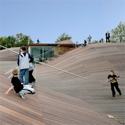 Danish architects PLOT (splitted into BIG and JDS) built this youth center as a complex topography on the top of a polluted soil, in order to make the most out of the budget. The result is an amazing playground in the coast of Copenhagen.