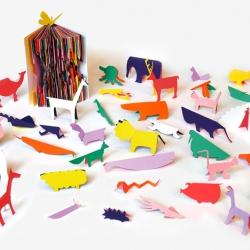 'Zoo in my hand', a wonder-book by Sunkyung Kim and publishing house Editions du Livre. Motto: ideas in the shape of books... indeed!!
